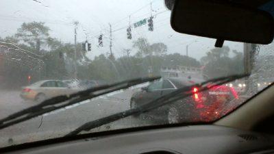 ۵ نکته ساده و کاربردی برای رانندگی ایمن در باران