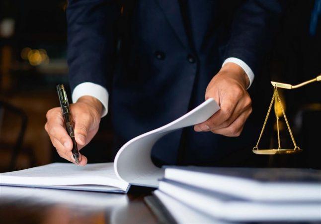 سرانه وکیل در ایران یکسوم میانگین دنیاست/ مجلس بهدنبال انحصارزدایی از وکالت است