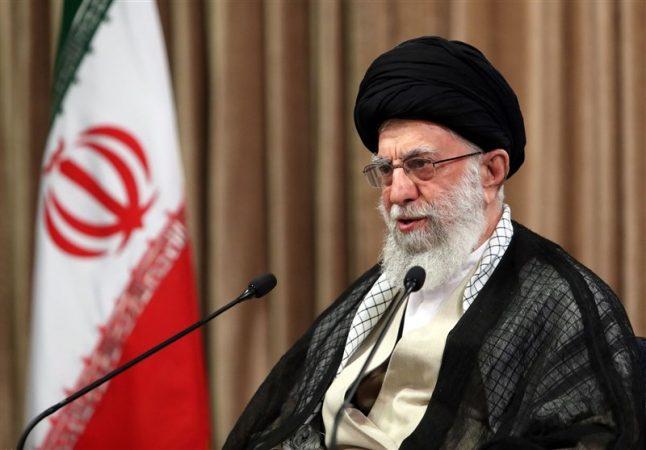 انتقاد صریح امام خامنهای از فایل صوتی ظریف/ اظهارات بعضی از مسئولان تکرار حرفهای خصمانه دشمنان و آمریکا بود