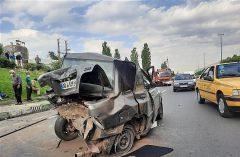 تصادف شدید پراید با پژو ۲۰۶ در بزرگراه شهید همت